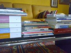 i libri della biblioteca di adriana